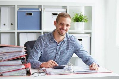 avec déficompta, préparez le DCG à distance tout en conservant votre emploi et votre statut de salarié